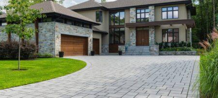 hardscaping company creates interlock driveway