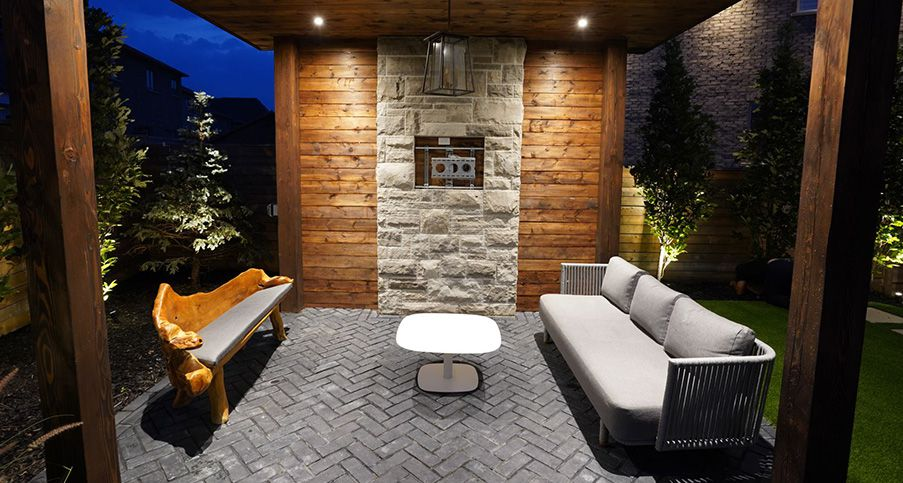 landscaping company in Richmond Hill building cabana